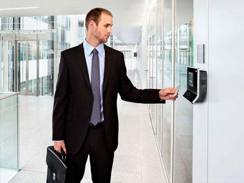 Hệ thống chấm công bằng thẻ cho doanh nghiệp