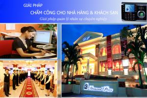 may-cham-cong-nha-hang