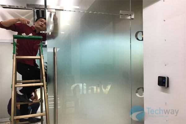 lắp máy chấm công ở Techway Việt Nam